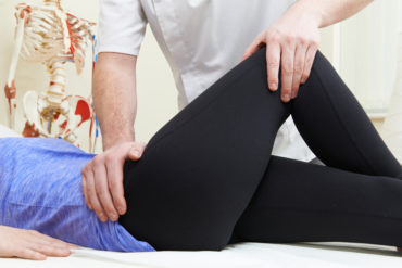 hips causing knee pain